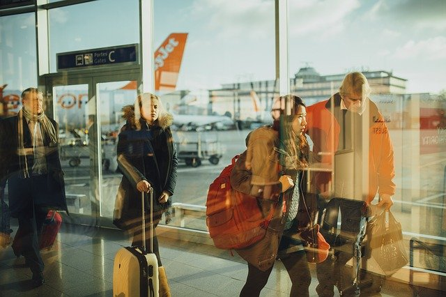 airport-travelers-persons-business