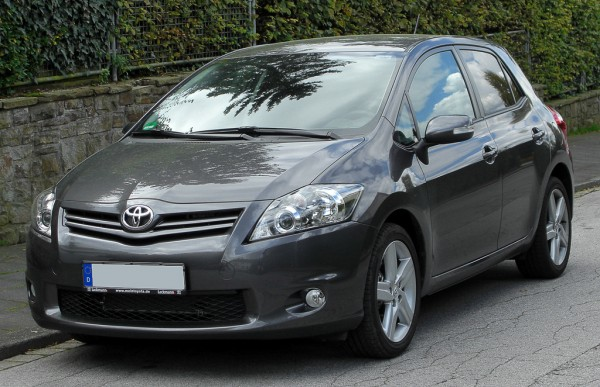 Credit: Toyota Auris Facelift front 20100926 by M 93