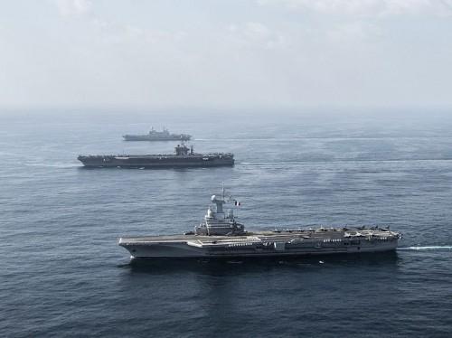 Carriers_Charles_de_Gaulle_(R91)_-_Harry_S._Truman_(CVN-75)_and_Cavour_(550)_underway_in_2013