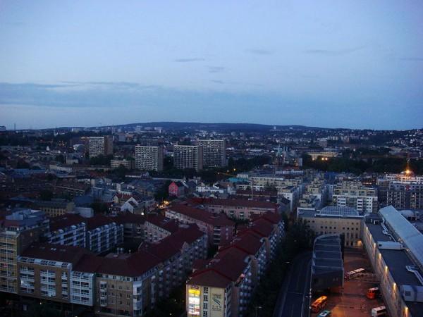 800px-Midnight_Oslo