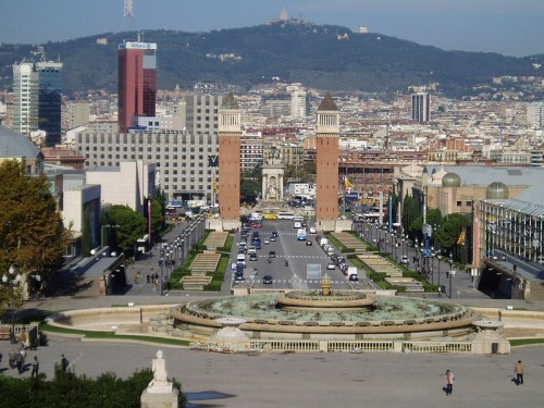 800px-Barcelona_from_MNAC