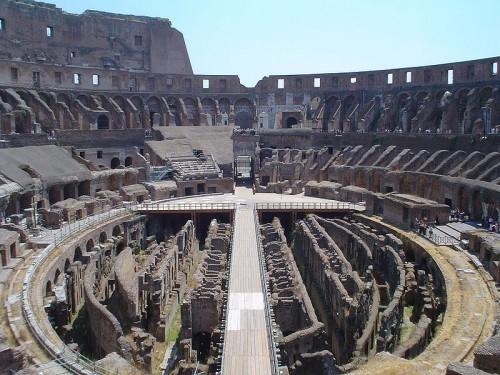 800px-Colosseum_11-7-2003