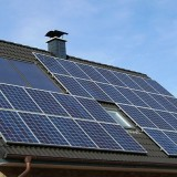 800px-Solar_panels_on_a_roof
