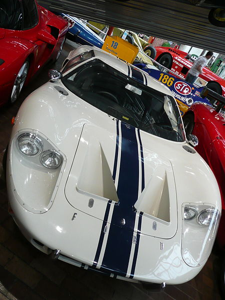 450px-1969_Ford_GT40_Mk_III