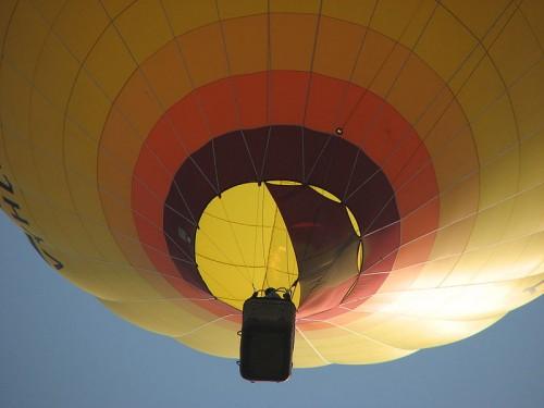 800px-Hot_air_balloon