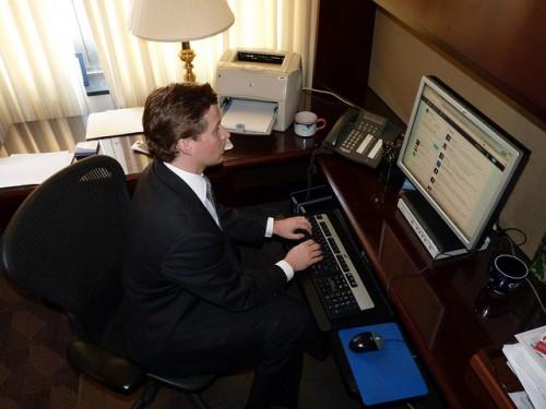 Twitter TWTR Facebook FB LinkedIn LNKD Office Work Computer Productivity Employment