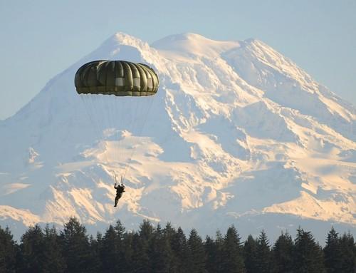 parachute-63045_640