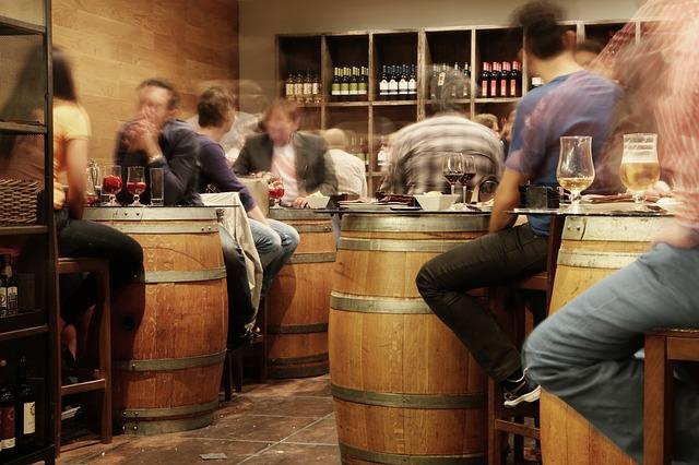 bar-friends-social-life