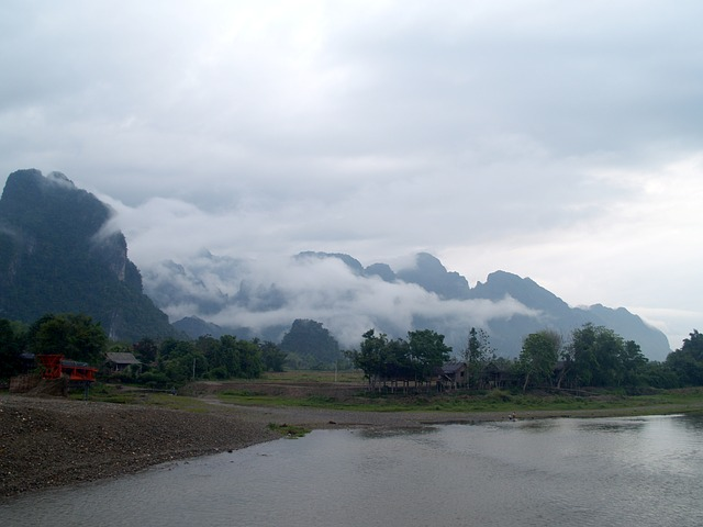 vang-vieng-mekong-river