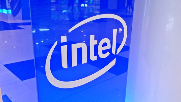 Intel, is INTC a good stock to buy, Jon Fortt, bull, bear,