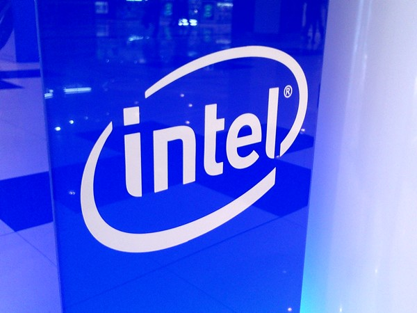 Intel, is INTC a good stock to buy, CES, Brian Krzanich, Diversity,
