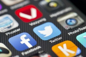 Twitter, is TWTR a good stock to buy, TV Timelines, iPhone, Television,
