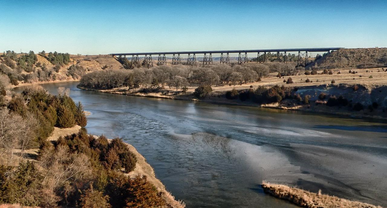 Nebraska - river-landscape-countryside-bridge