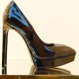 shoe-188985_1280