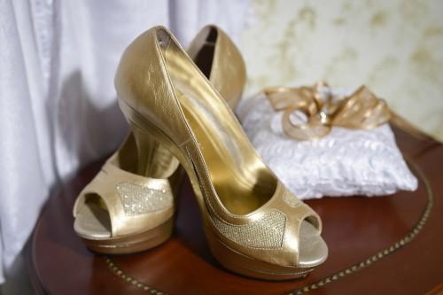 shoes-448350_1280