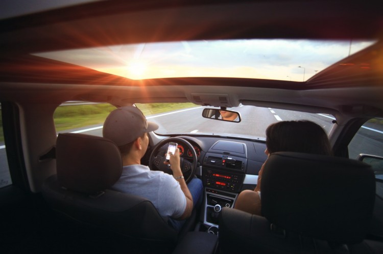 driving-407181_1280