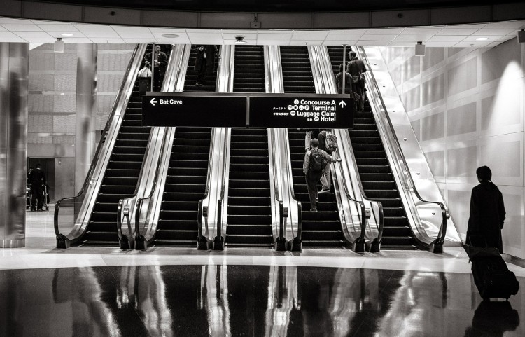 escalators-594463_1280