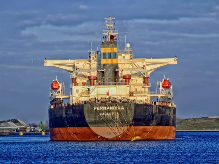 freightliner-385677_1280