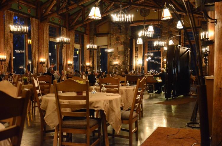 restaurant-237060_1920