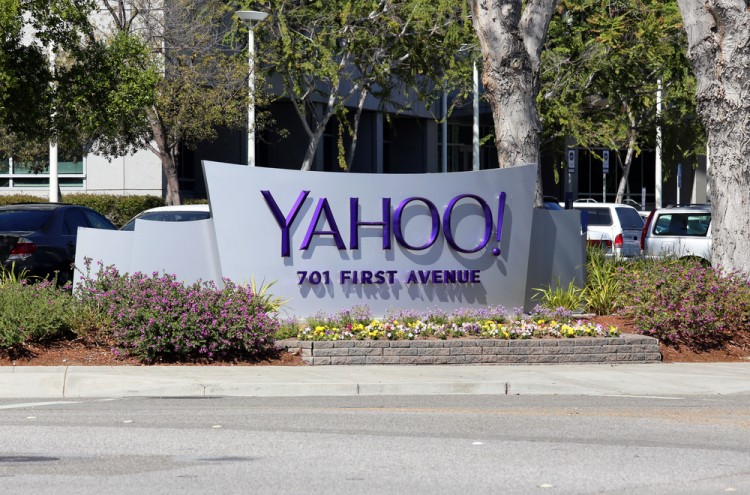Yahoo! Inc. (NASDAQ:YHOO), Sign, Logo, World Headquarters, Symbol, 701 first avenue,