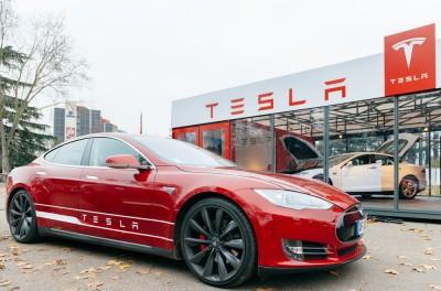 Tesla Motors Inc (NASDAQ:TSLA), Car, Model S, Sign, Showroom, Brand, Logo, automotive, sales
