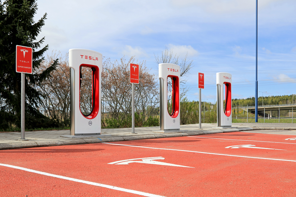 Tesla Motors Inc (NASDAQ:TSLA), Supercharger station, Battery, Automotive,