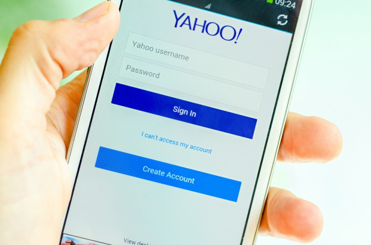 Yahoo! Inc. (NASDAQ:YHOO), Yahoo Mail, Sign in, Create Account, Smarphone, Log in