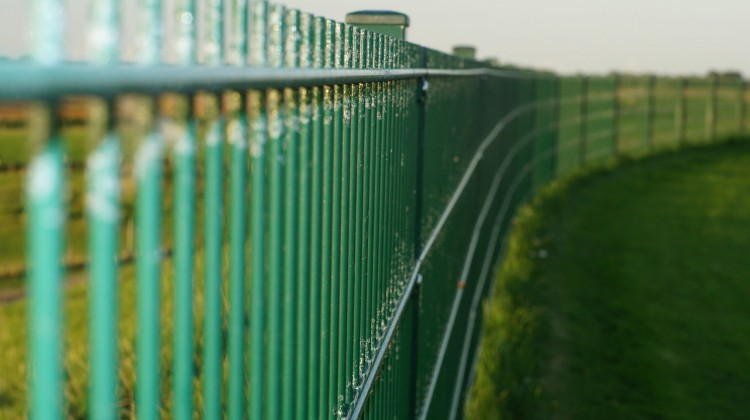11 Biggest Fences in the World - Insider Monkey