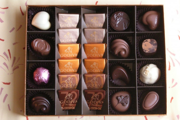 chocolates-566200_1920