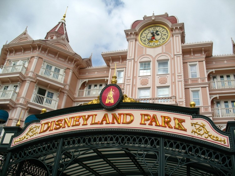 disneyland-park-452001_1920 11 Easiest and Best Paying Jobs of 2015