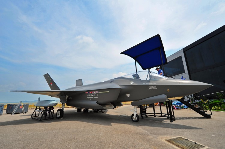 Lockheed Martin (NYSE:LMT); F-35; strike, fighter, joint, vtol, military, jet, technology, airshow
