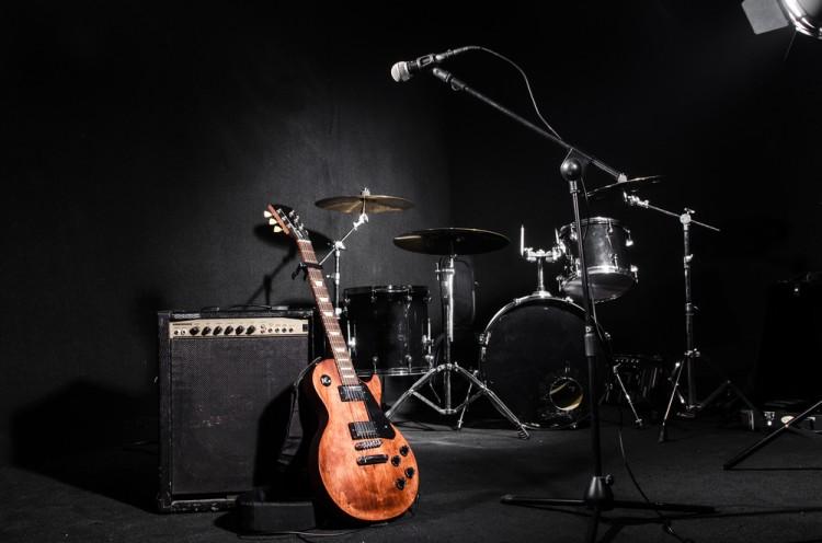 Elnur/Shutterstock.com