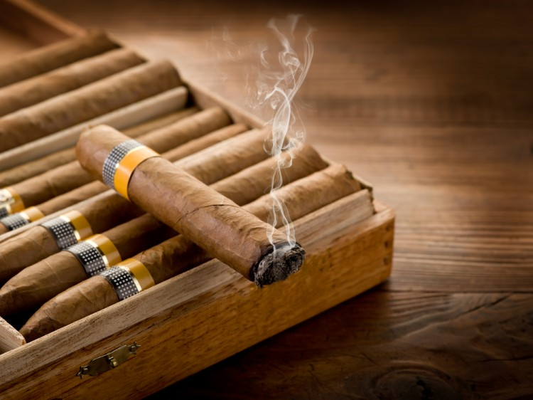cigar, cuban, cuba, box, bar, havana, dark, ash, wooden, rare, expensive, culture, strong, restaurant, luxury, old, styled, traditional, wood, taste, men, relax, rich, real, smoke, vintage, style, manager, meditation