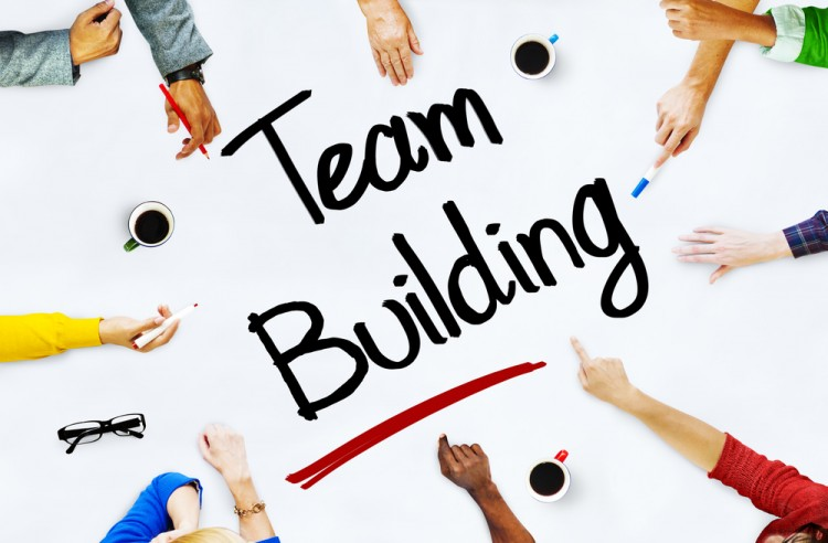 15 Best Simple Fun Indoor Team Building Problem Solving Activities