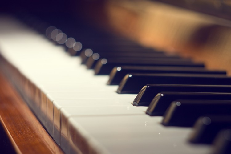 11 Beautiful Modern Piano Songs to Learn