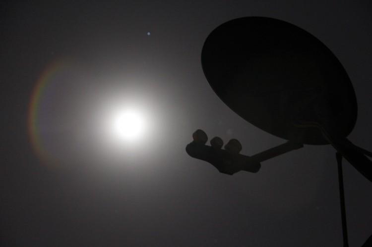 satellite-86706_1280