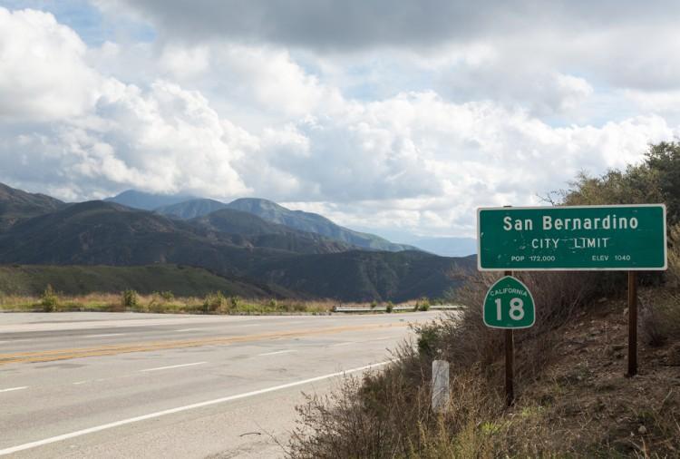 california, hazy, foggy, san bernardino, travel, dramatic, sign, valley, signpost, hills, highway, viewpoint, hillside, route 18, mountainous, high, city, mountain, city limits,