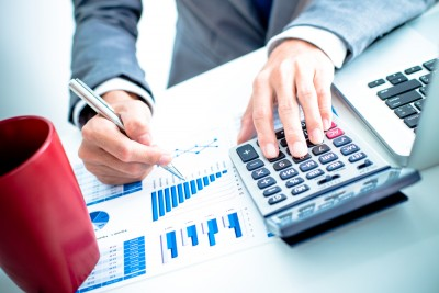 accounting, desk, market, funds, economy, business, income, gains, value, wealth, revenue, pen, analysis, foreign, balanced, computer, management, graph, risk, equities, earnings, pie, chart, stocks, money, monetary, high, accountant, growth, low, invest, ratio, quotes, account, workplace, profits, trade, investment, return, office, banking, man, index, financial, hand, businessman, results, performance, exchange, capital
