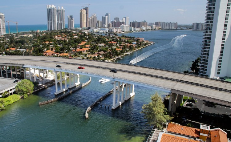 miami-beach-674068_128010 Cities With The Highest Net Migration in America