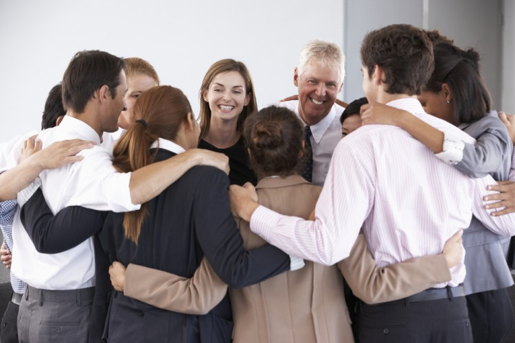 7 Best Company Team Building Activities to Build Workplace Camaraderie