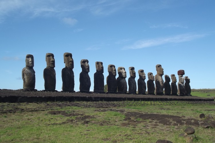 easter-island-839892_1920 11 Most Famous Sculptures in the World