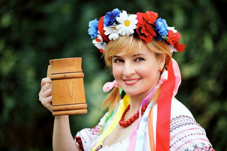 beer, ukrainian, outdoor, vogue, wreath, national, green, flowers, spring, view, red, hay, concept, field, adult, slav