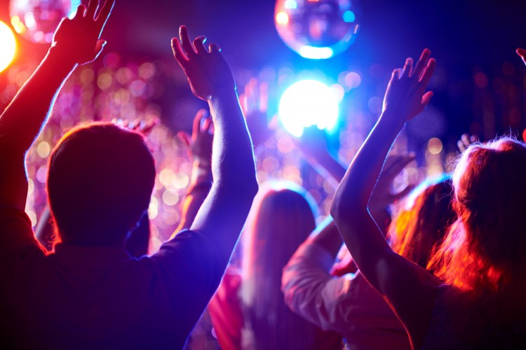 club, clubbing, nightclub, worship, teens, young, adult, crowd, man, male, group, date, boyfriend, girl, dynamism, clubber, guy, outline, disco, head, discoball, arm, dancer, enjoy, music, 6 Highest Grossing Nightclubs in the World