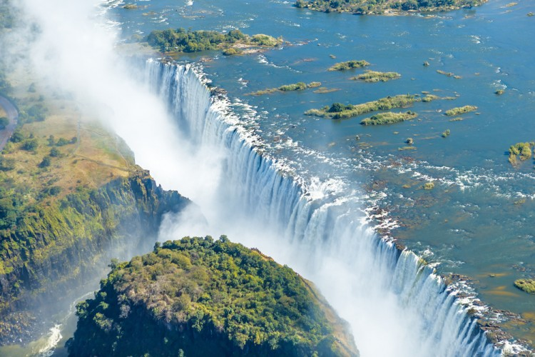 11 widest waterfalls in the world insider monkey falls victoria africa zambia world livingstone water river publicscrutiny Images