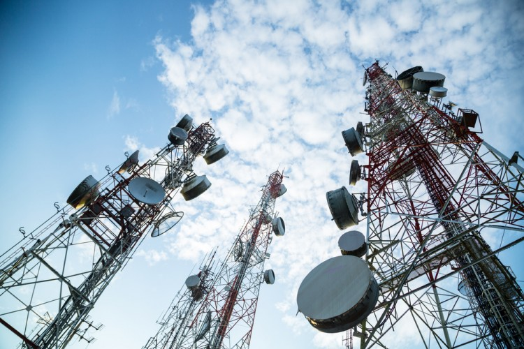 wireless, telecoms, antenna, tower, broadcasting, station, cellular, building, sky, steel, telephone, technology, equipment, electromagnetic, mobile, architecture, transmitter