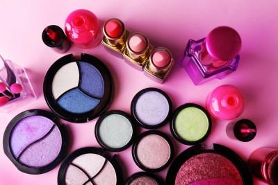 makeup, bright, closeup, table, nobody, eyeshadow, applicator, glamour, light, foundation, feminine, female, blush, palette, lipstick, decorative, shiny, collection, face,