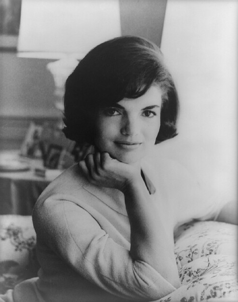 jacqueline-kennedy-393261_1280 6 Conspiracy Theories About JFK's Assassination
