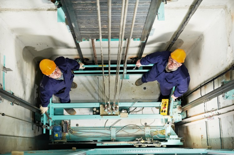 elevator, repairing, mechanic, lift, repairman, technician, hoist, machinery, tool, manual worker, hoisting gear, elevator shaft, adjusting, engineer, elevator well, lift shaft,