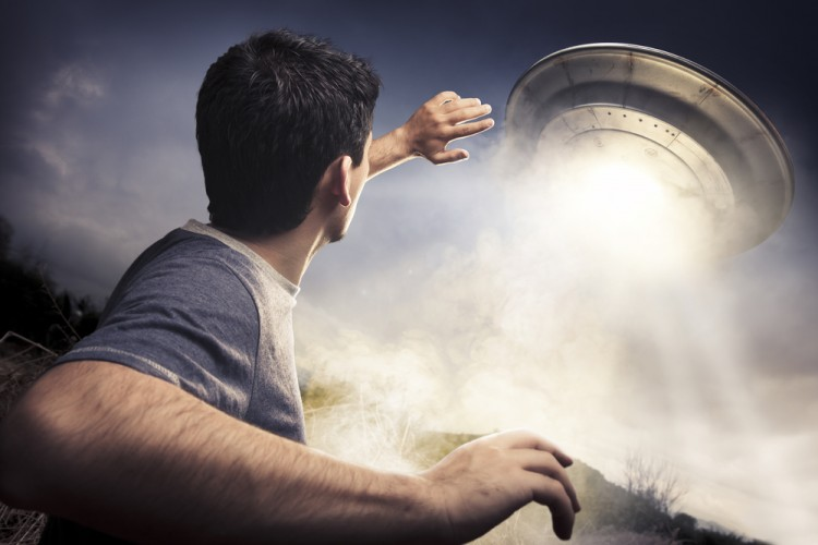alien, ufo, space, fiction, spaceship, flying, kidnap, saucer, floa 10 Most Credible UFO Sightings in the World
