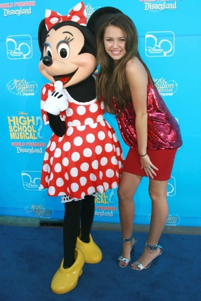 celebrity, entertainment, event, fame, famous, person, popular, star, talent 11 Most Popular Disney Songs of All Time